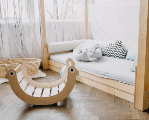 Variabilní nábytek české výroby, březová překližka