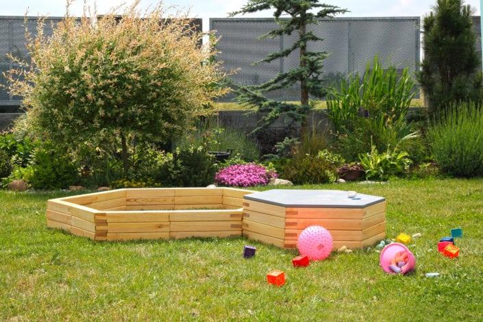 ulli, zahradní dekorace, zahradní nábytek, dřevěný zahradní nábytek, dřevěný nábytek, venkovní úložné prostory, venkovní hříště, moderní hřiště, dětské hřiště