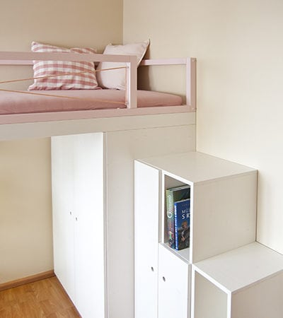 Palanda pro slečnu, úložný prostor na míru, knihovna, skříňky na učení, moderní nábytek, pokoj pro dospívající