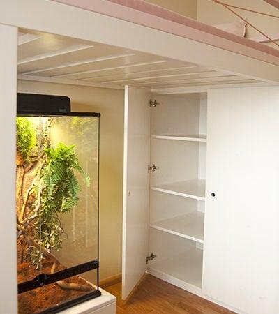 Postel, skříň na míru, dětský prostor, dětský pokoj, variabilní postel, moderní dětský pokoj, terarium v pokoji